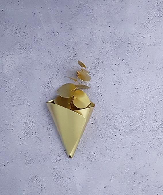 Décoration murale cornet laiton