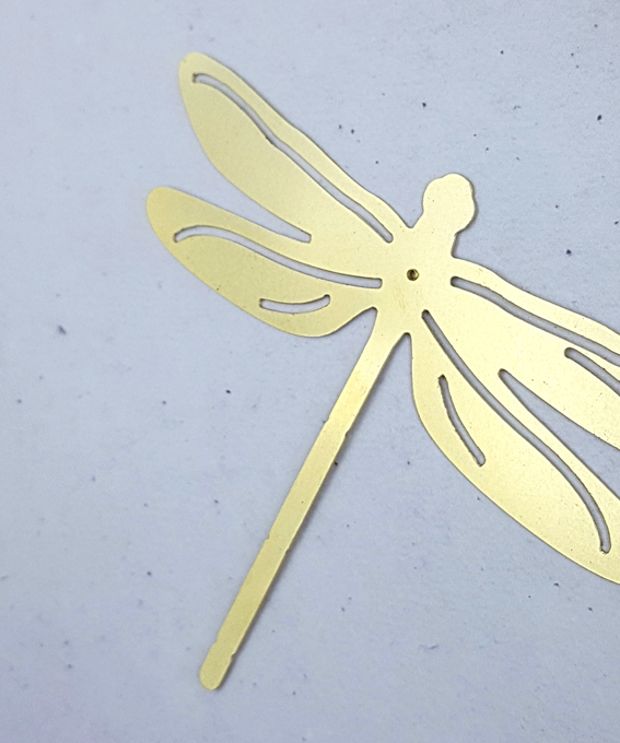 Décoration murale libellule laiton